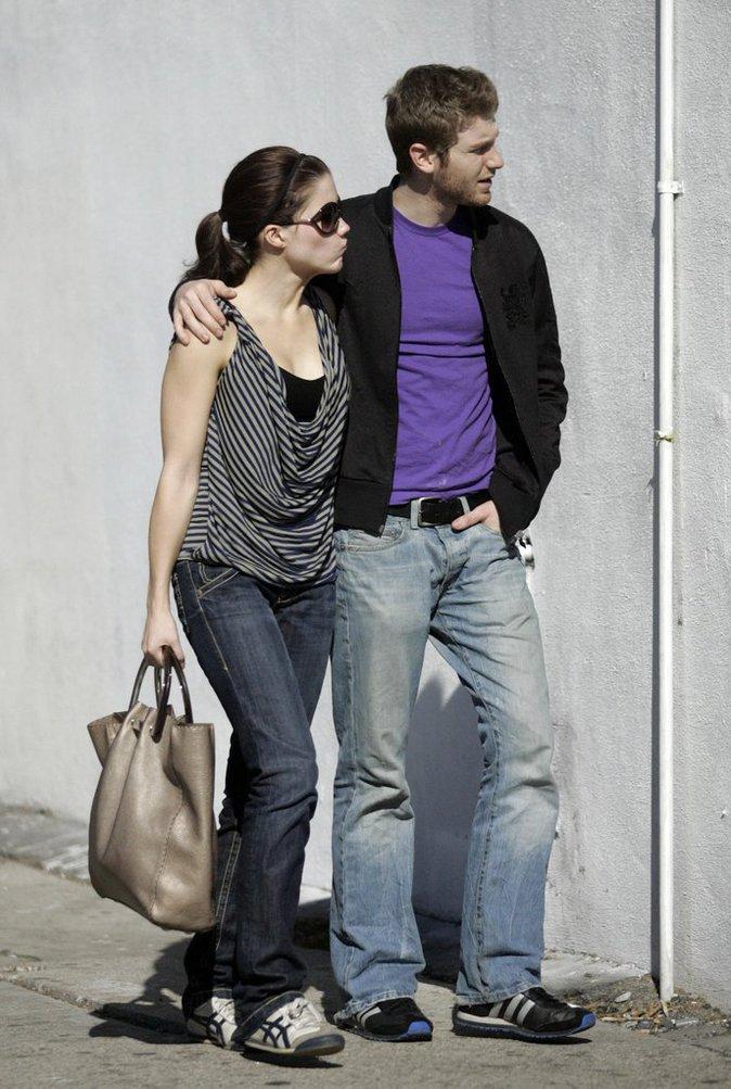Rachel Bilson et Adam Brody (Newport Beach)