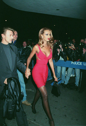 """David Bowie et Iman à la première de """"Exit to Eden"""", à New York, en 1994"""