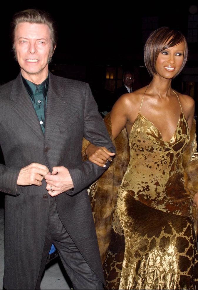 David Bowie et Iman pour la soirée de lancement du livre I Am Iman, à la boutique Donna Karan de New York, le 13 novembre 2001