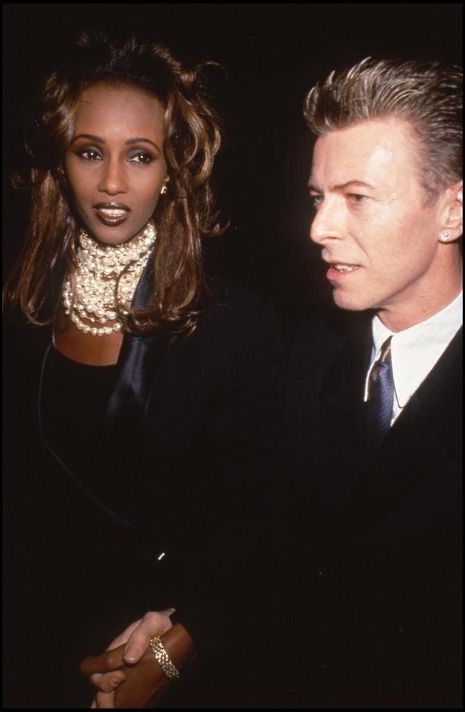 David Bowie et sa femme Iman en soirée en 1992