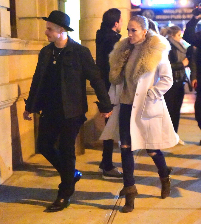 Jennifer Lopez et Casper Smart, adorables dans les rues de New York