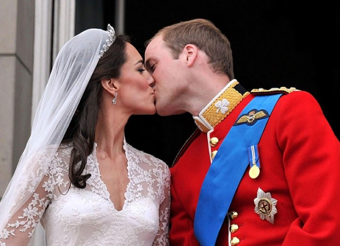 23. Kate Middleton s'est maquillée toute seule le jour de son mariage.