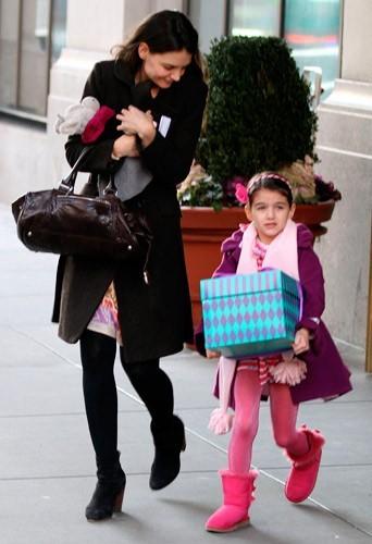 Katie Holmes accaparée par sa fille, Suri