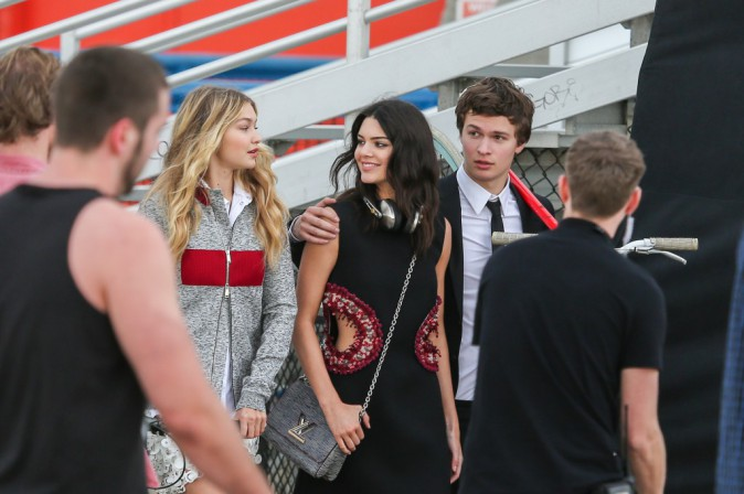 Kendall Jenner, Ansel Elgort et Gigi Hadid : trio complice à Venice Beach !
