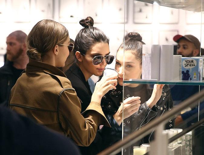 Kendall Jenner, Bella Hadid et Gigi Hadid se sont intéressées à tout ce qu'il y avait chez Colette