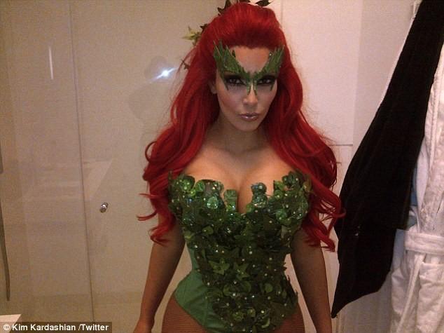 Kim Kardashian déguisée en Poison Ivy pour la soirée Midori !