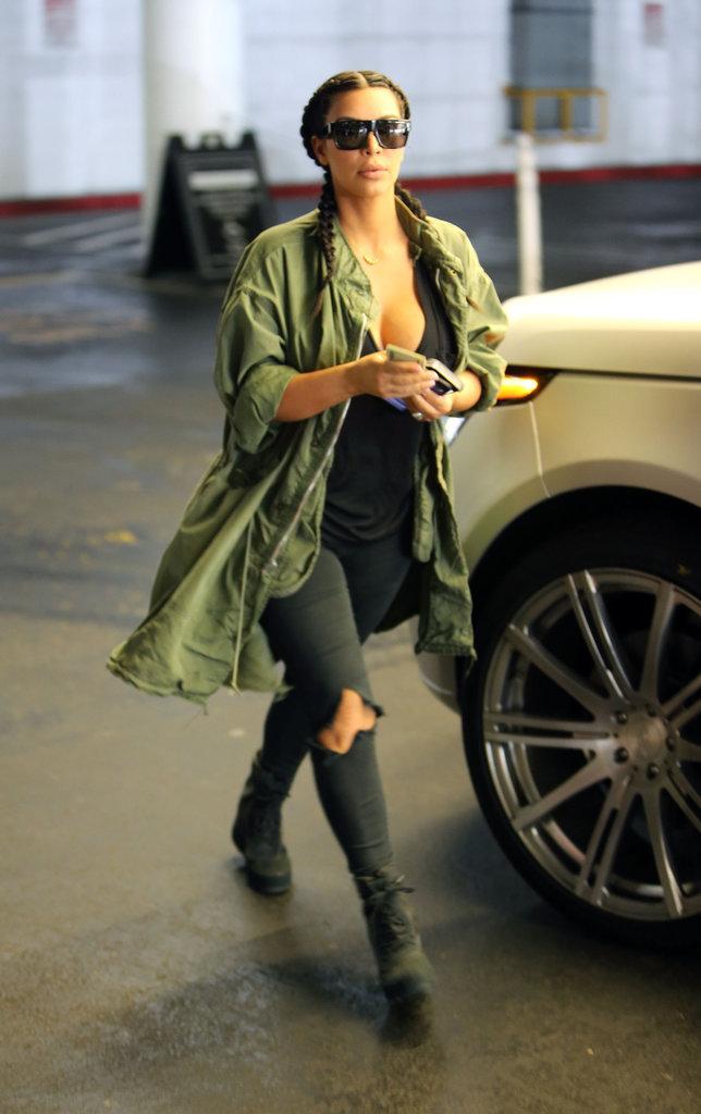 Kim Kardashian, une maman stylée