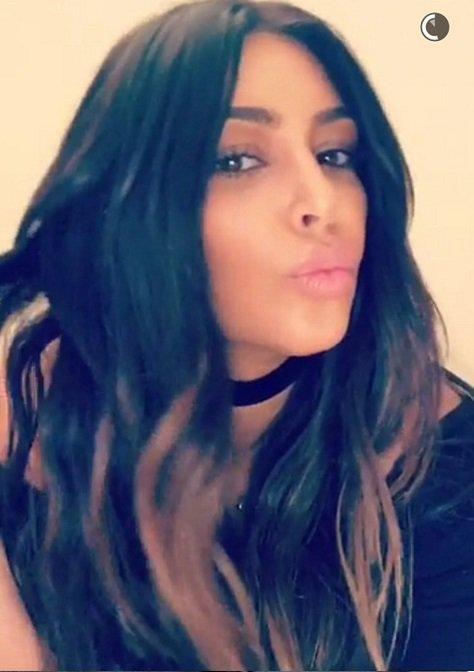 Kim Kardashian sublime, elle dévoile sa nouvelle couleur de cheveux !