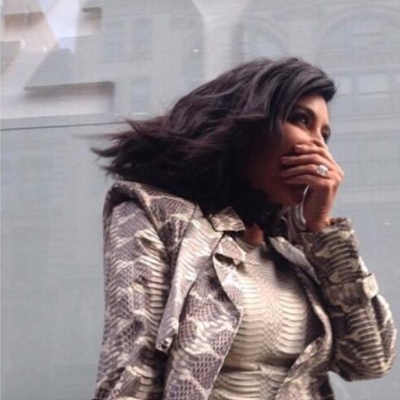 Kim Kardashian : une fan se tape l'incruste en plein shooting !