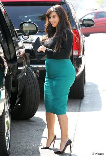 Jolie robe moulante pour Kim Kardashian