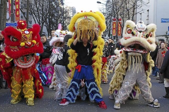 Le nouvel an chinois sur la place de l'Hôtel-de-Ville, Paris 4e.