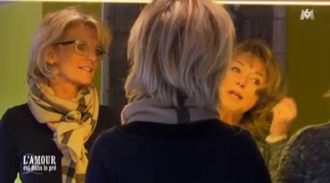 Cathy et Lydie évoquent leurs sentiments pour Claude. L'une a craqué, l'autre pas !