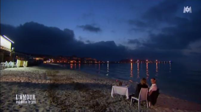 Dîner en amoureux sur la plage pour Franck et Karine !