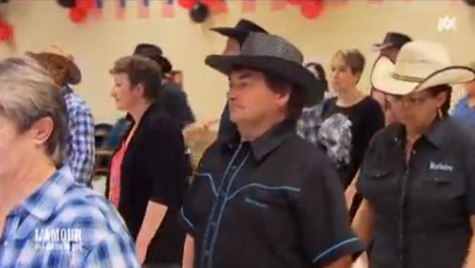 Michel est un danseur de country