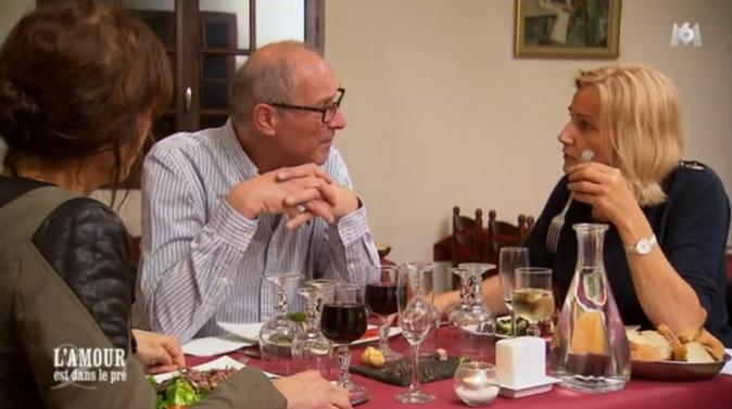 Au restaurant, Nadine assaille Bernard de questions !