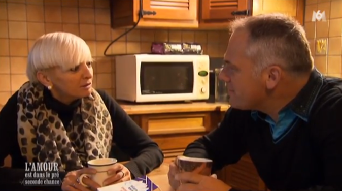 Christophe commence à se confier à Sonia sur ses sentiments !