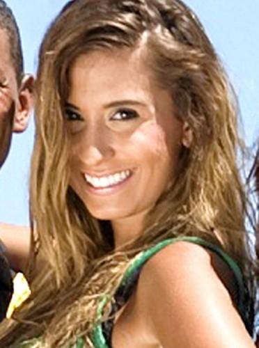 Martika : Originaire de la Côte d'Azur, cette jet-setteuse ultra riche veut faire carrière dans la chanson.