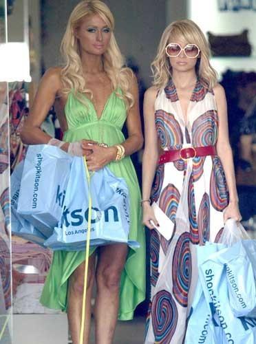 toujours amie avec Paris Hilton, Nicole Richie améliore son look !
