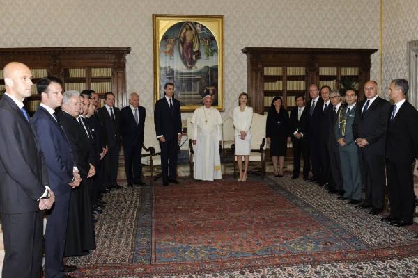Le roi d'Espagne Felipe VI et la reine Letizia en déplacement au Vatican, le 30 juin 2014
