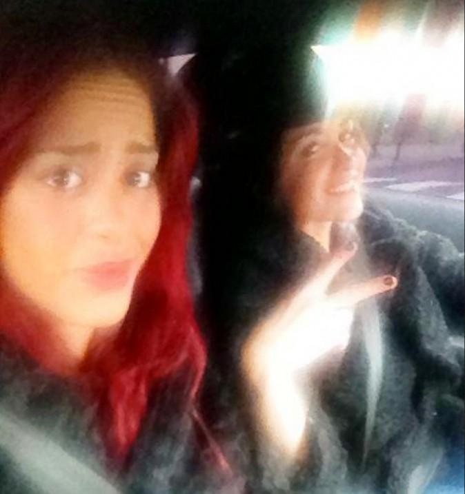 Amel Bent en voiture avec Jenifer !