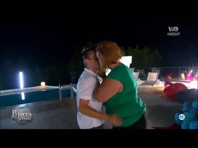 """Les Princes de l'amour : Sébastien : """"C'est vraiment le bisou, la galoche !"""""""