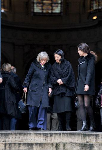 Fleur Pellerin et Elisabeth Guigou assiste aux obsèques de Michel Galabru, le 12 janvier 2016 à Paris