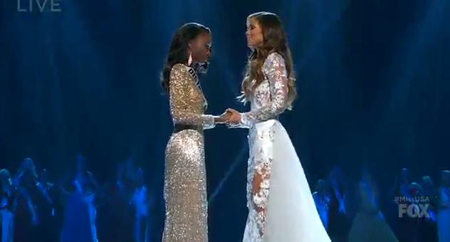 Le duel Miss Hawai VS Miss DC