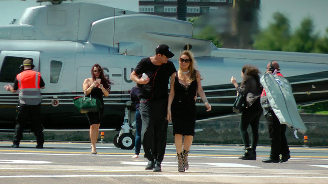 Mariah Carey, son fiancé et son agent arrivant à Londres