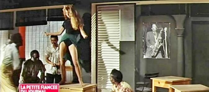 Un jour, devant tous les reporters et les chefs du journal, stupéfaits, elle est montée sur la table de la rédaction, a remonté sa jupe pour danser un mambo...