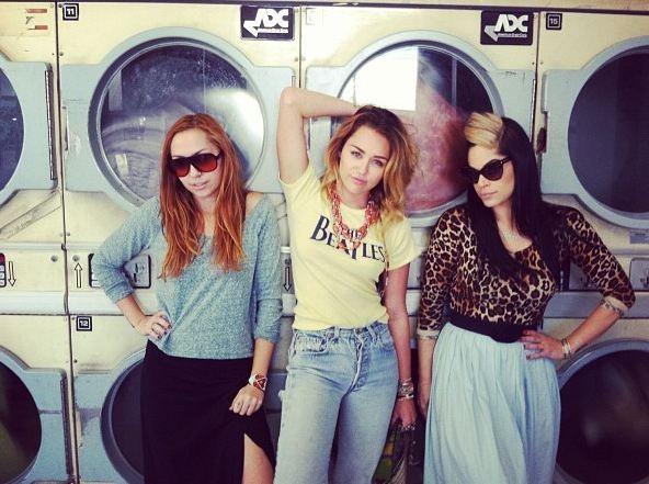 Miley, hyper-sexy à la laverie !