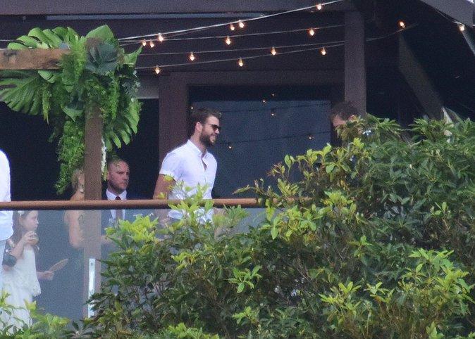 """Miley Cyrus et Liam Hemsworth : finalement prêts à se dire """"oui"""" ?"""