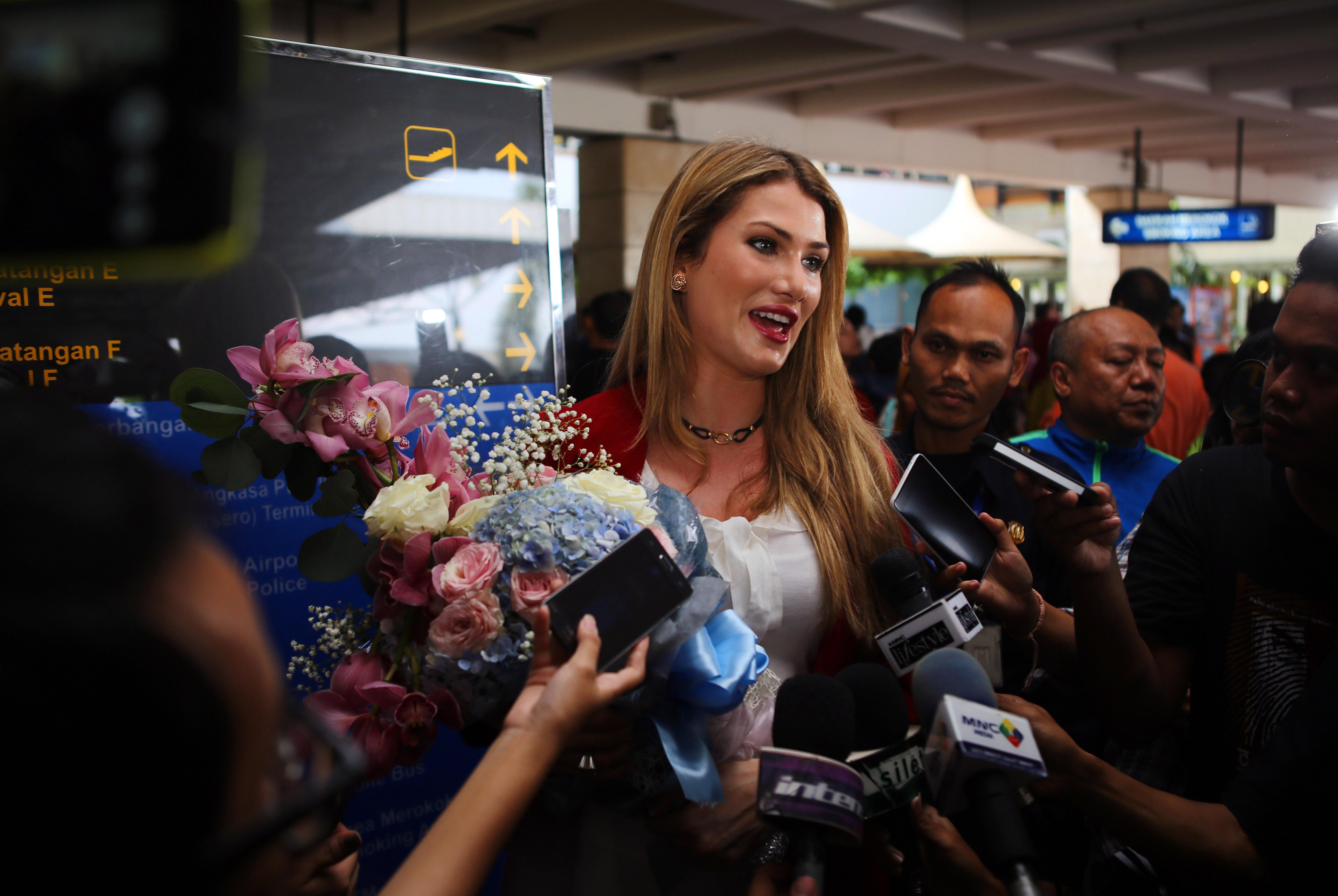 Mireia Lalaguna s'est rendue à Jakarta pour l'élection de Miss Indonésie