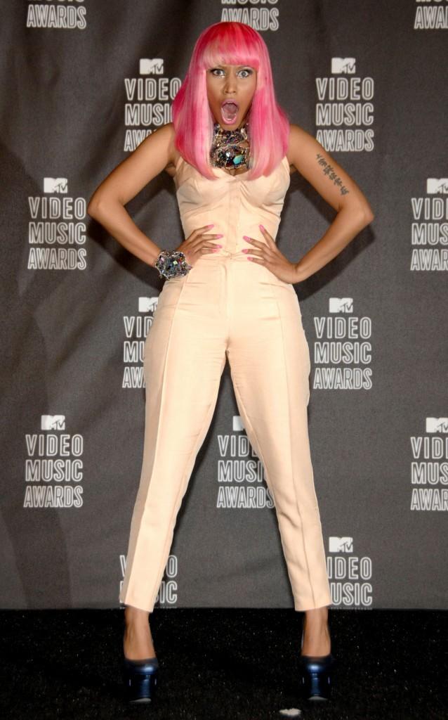 VMA 2010:  La sobriété c'est pas mal non plus !