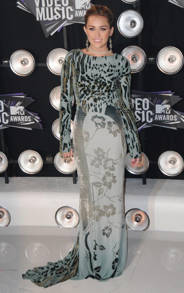 VMA 2011: Mémère attitude !
