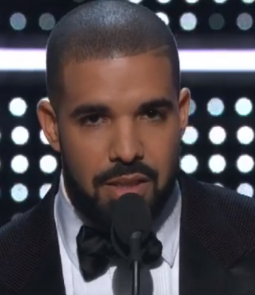 Drake a été très élogieux à l'endroit de Rihanna