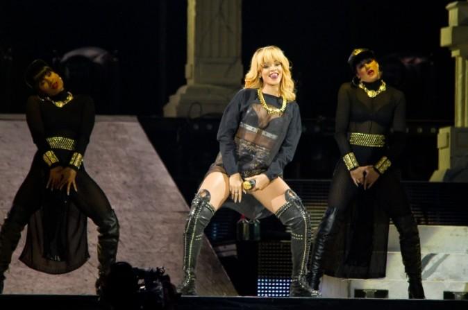 Rihanna a mis le feu au Stade de France