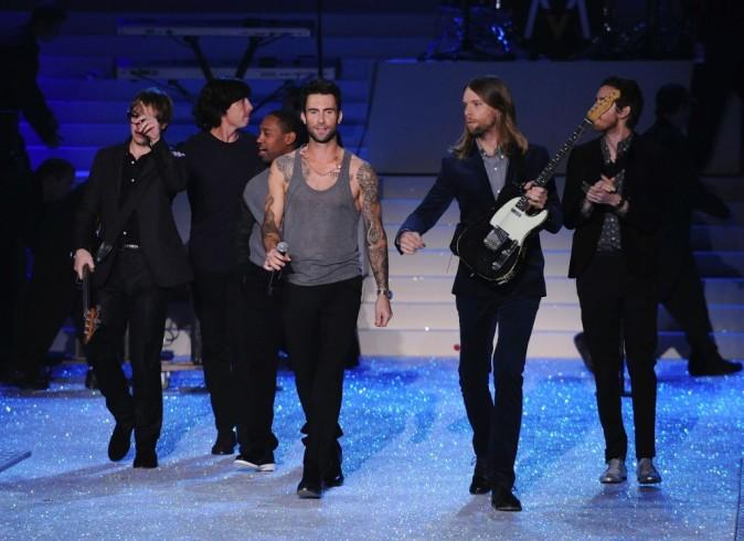 Maroon 5 lors du Victoria's Secret Fashion Show à New York, le 9 novembre 2011.