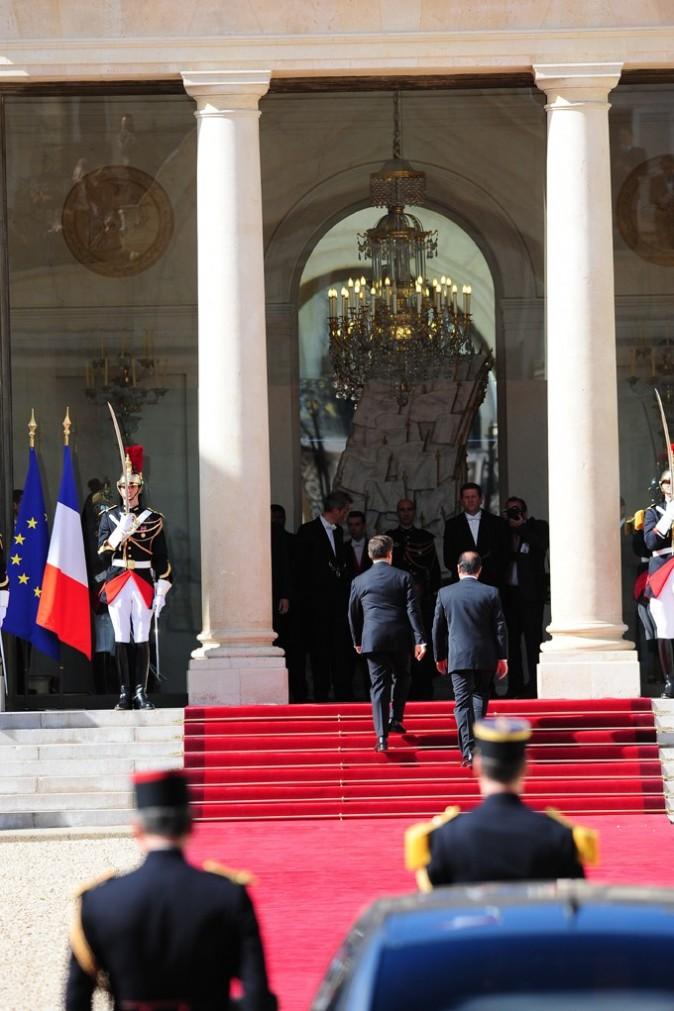 Passation Nicolas Sarkozy-François Hollande : d'un style à l'autre ?