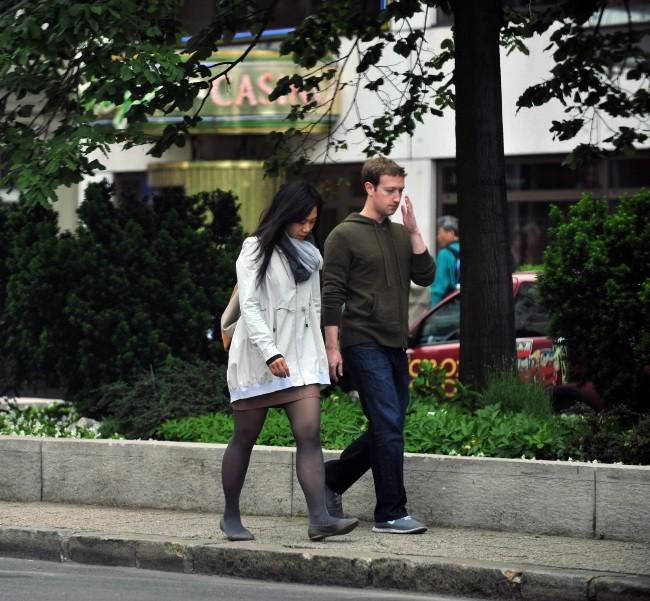 Mark Zuckerberg et sa femme Priscilla Chan le 28 mai 2013 à Budapest