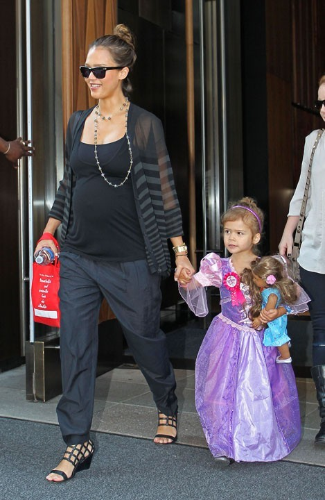 Jessica Alba et sa fille Honor à New York, le 7 juin 2011.