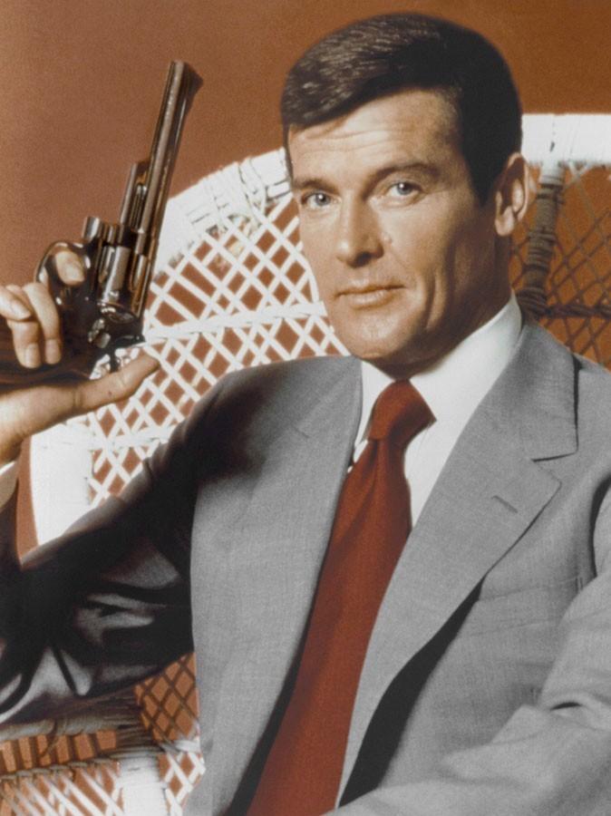 Photos : Roger Moore est James Bond dans L'homme au pistolet d'or