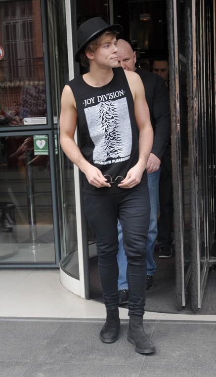 Les 5 Seconds of Summer (Ashton Irwin) à Paris le 2 avril 2014