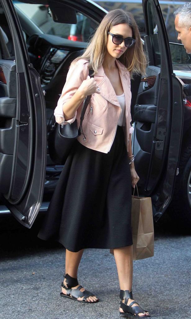 """Jessica Alba : """"à 20ans, je n'avais pas du tout confiance en moi"""" !"""