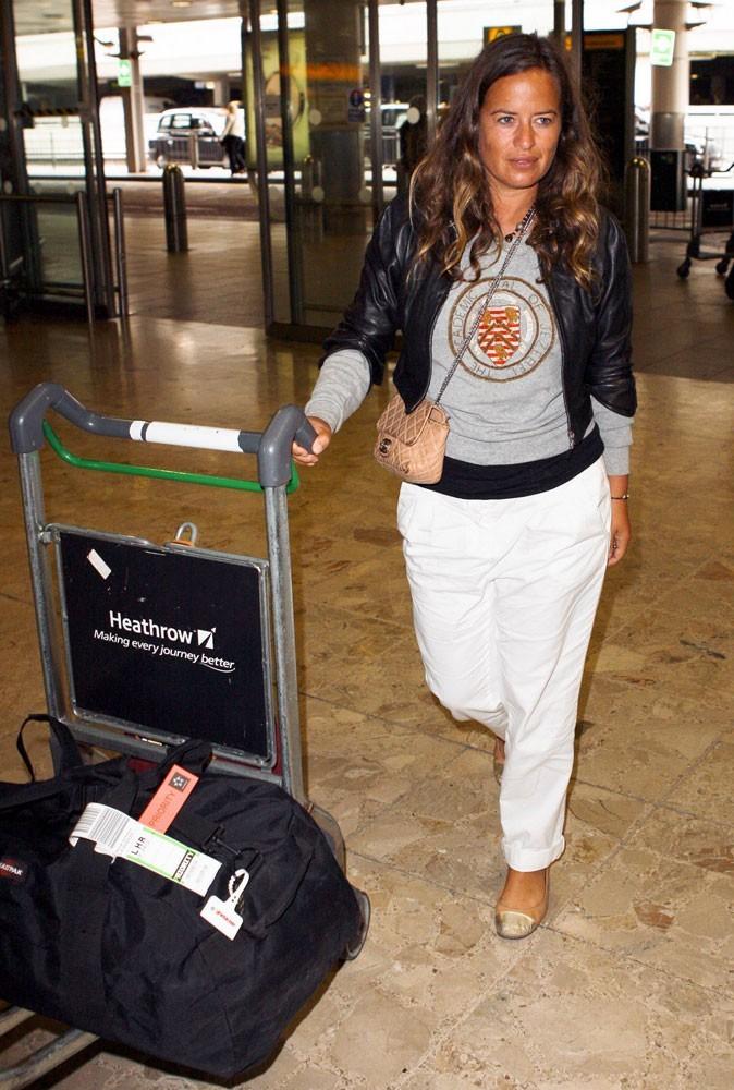 """Photos : Jade Jagger assume son look spécial """"aéroport"""""""