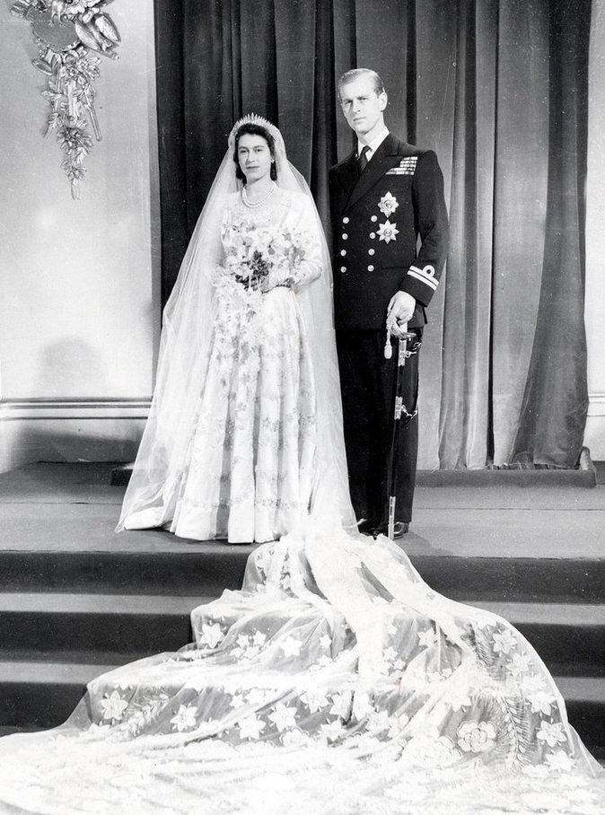 Elizabeth II durant son mariage avec Philip Mountbatten en 1947