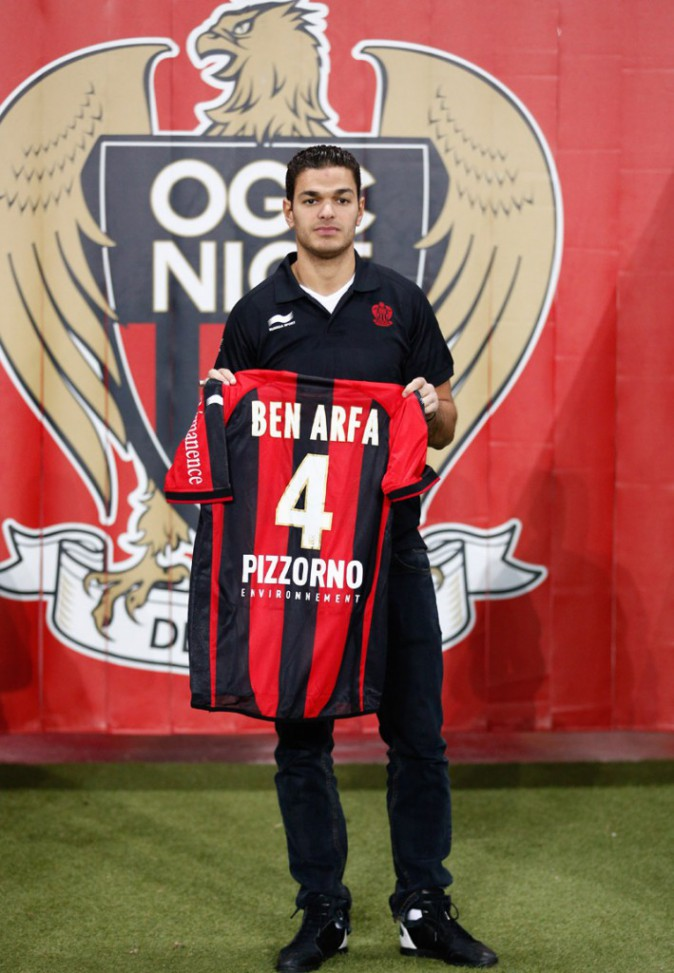 Hatem Ben Arfa présente son maillot de l'OGC Nice