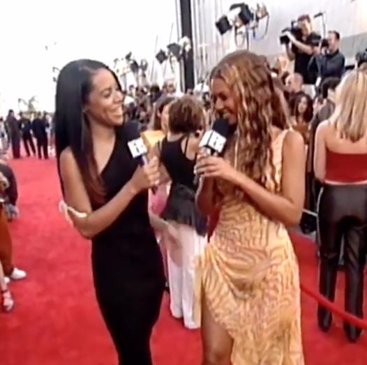 Aaliyah et Beyoncé lors des MTV Movie Awards 2000