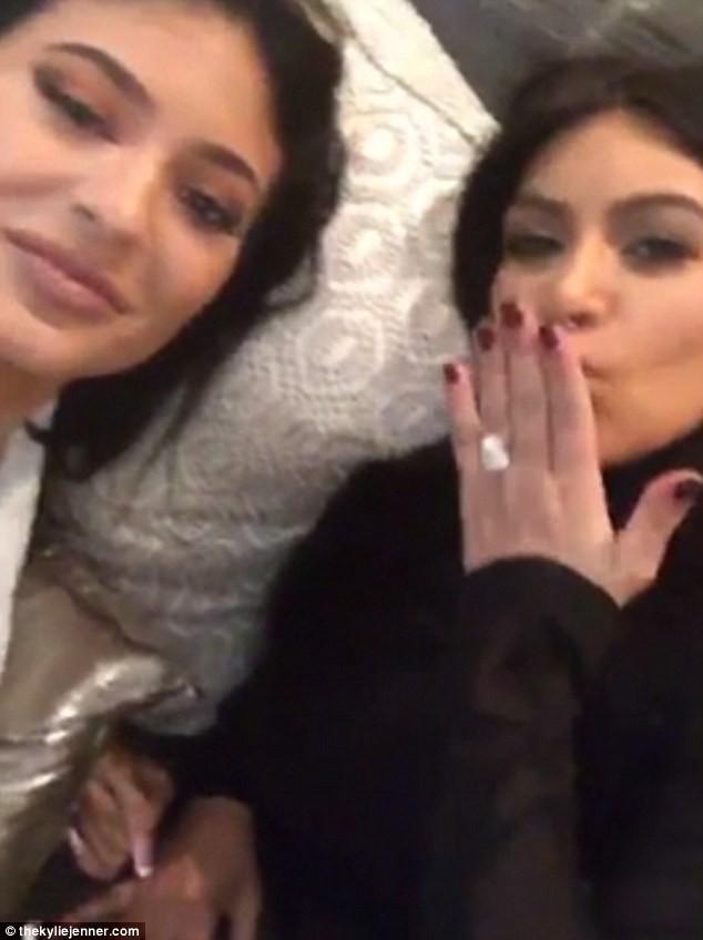 Kylie Jenner et Kim Kardashian le 24 septembre 2015