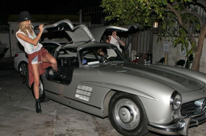 Photos : Adam Levine et Behati Prinsloo : rentrés de leur lune de miel, les mariés stylés s'offrent un diner en tête-a-tête !