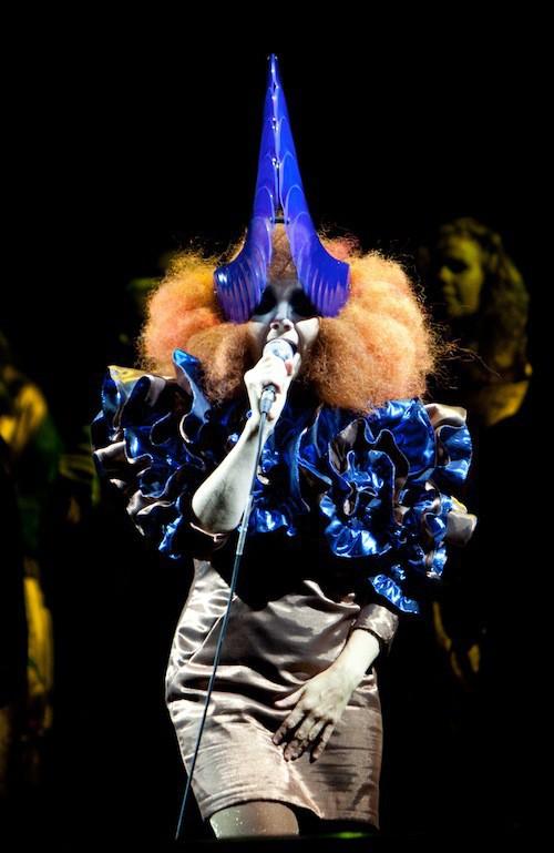 Björk, opérée des cordes vocales en 2012